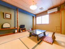 *【和室6畳/一例】スタンダードな和室。畳の部屋で足を伸ばしてのんびりお過ごしいただけます。
