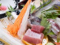 *【夕食一例/ビジネス定食】新鮮なお刺身もお召し上がりいただけます。