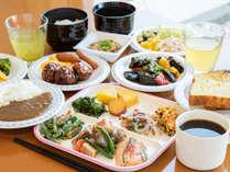 *【無料朝食サービス】<1F>朝6:30 ~ 9:00まで/和洋中バイキング(一例)