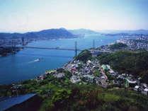 【関門海峡】火の山公園の屋上展望台からは見晴らしがよく、関門海峡や美しい景色が広がっています。