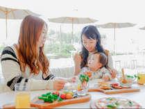 小さいお子さまと一緒にゆっくりご飯をたべれます。