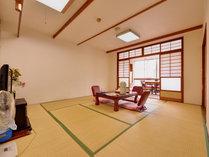 *和室10畳(客室一例)/グループやファミリーでのご宿泊に◎畳の香りがほのかに薫るお部屋でお寛ぎ下さい。