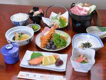 *お夕食一例(全9品)/季節の旬と地元の食材を活かした、心温まる家庭料理をお愉しみ下さい。