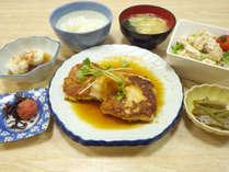 *【夕食例】家庭的なお食事に思わずにっこり♪