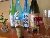 飲み比べセットは福井の地酒4種(各90cc入り)にてご用意致します(季節により替わります)