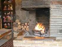 *【暖炉】暖かく柔らかい雰囲気でお出迎えします。