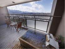 【本館・露天風呂付き客室】※和洋室禁煙室※最上階からの景色。