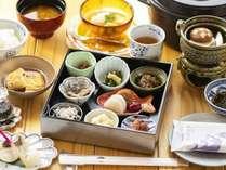 淡路島の「ご朝食」。宿泊食の醍醐味「ご朝食」はグランシャリオ「朝のお始め御膳」