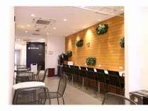 1階ロビーはゲストが24時間ご自由に使える空間です。