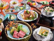 3種から選べるメイン料理と松茸料理が2品もついた会席料理。※写真の釜飯はお茶碗でのご提供となります。