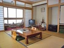 *【お部屋一例】四季の移ろいをお楽しみいただきながら、ごゆっくりお寛ぎ下さい。