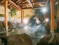 【オーロラの湯】晴れた日は星空を眺めながら天然温泉をご堪能いただけます