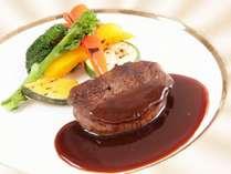 国産牛フィレ肉のステーキ(イメージ)