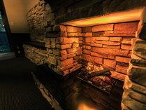 リニューアルした本館のお部屋には、全て石造りの暖炉(イミテーション)をそなえています。