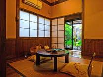専用露天風呂付二間続きの客室一例