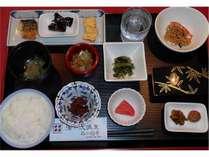 朝食付き!【道内観光の拠点に…トマムリゾートまで車で30分、富良野まで50分!】