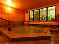 2019年7月にリニューアルした大浴場。草津最古の白旗源泉100%かけ流し。