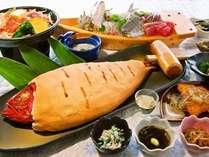 お料理は、新鮮な伊豆の海の幸・山の幸が満載!