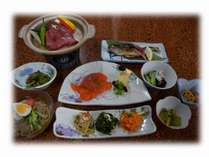 地元武川米、旬の山菜、放し飼い地鶏の卵などボリュームだっぷりの【1泊2食付きプラン!】