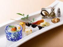 能登牛食べ比べ懐石:八寸一例(板長渾身のお料理は、日、週、又は月により異なります)