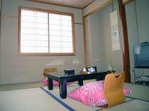 和室6畳一例。カップルにおススメ♪のお部屋です。