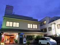 和倉温泉の中心、総湯にも程近い周辺観光にも便利な立地♪