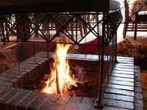 落ち着いた雰囲気のレストランで味わい豊かなお料理をご堪能ください。
