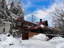 冬の外観1 一面の雪景色