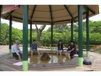 那須ハイランドパーク内にある足湯。