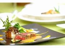 地元の厳選素材を使った夕食(洋食ブッフェ、和食会席、しゃぶしゃぶ、バーベキューより選択可)