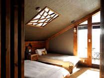 【レイクビュー】お部屋に入ってまず目に飛び込んでくるのは正面に見える芦ノ湖の絶景!