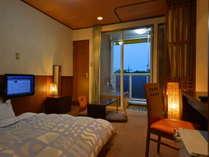 当ホテル1番人気のお部屋はのんびりくつろげる和風モダンダブルルーム♪おすすめです!