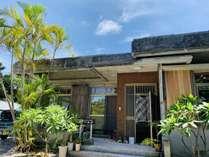 沖縄の離島らしい、平屋の一軒家です。