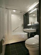 スタンダードなお部屋のバスルーム(ユニットバス)