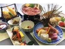 豪華なお造りに鳥取県産の和牛をすき焼きでいただけるお料理となっております。
