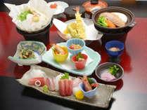 *三崎<まぐろ会席>一例/さまざまなまぐろ料理をお楽しみいただけるご夕食です。