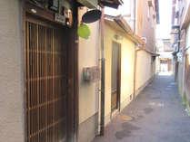 「上七軒(かみしちけん)」にある京町家を丸ごと一棟貸切