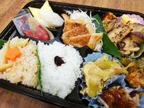 信州郷土料理を盛り込んだ特製夕ごはん弁当です。