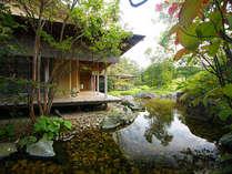 日本庭園からの景色