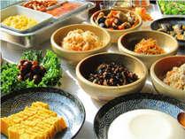 ■【朝食】(7~10時)こだわりの自家製豆腐など、和洋30種類以上の栄養豊富なバイキングです!