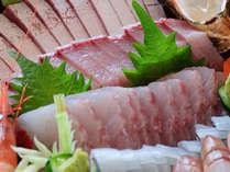 【美味しいお刺身が食べたい!の声にお応えしました】-能登グルメ旅- 家族も大満足のきときと舟盛り会席