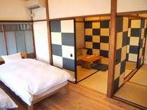 市松庵2階には洋室と和室が2間あり大勢でのご利用時もプライバシーを確保できます。