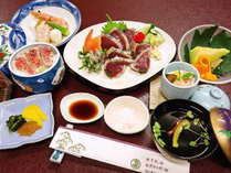 【お食事】夕食/高知名物!鰹のタタキ御膳※一例