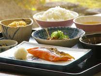 【朝食付】最終INは22時30分!朝は出来たての和食♪
