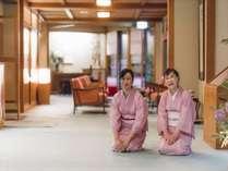 【お出迎え風景】日本旅館の「おもてなし」を、お客様にお伝えしたいと思っております。