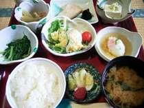 """*朝食もメニュー豊富な和食膳をご用意致します。"""""""