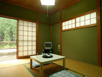 落ち着きのある和室6畳のお部屋です。ゆっくりおくつろぎください♪