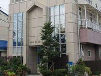 徳島阿波おどり空港より3km の低価格なビジネス旅館です