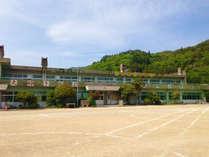 *【外観】138年の歴史を持つ小学校が、簡易宿泊所として生まれ変わりました。