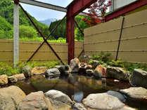 焼岳を望む、絶景の露天風呂。源泉かけ流し。24時間ご入浴OK